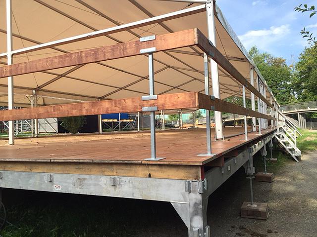 Festmobiliar Diverses Geländer